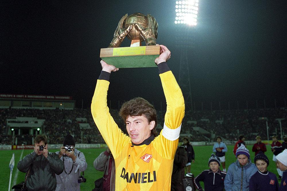 Ринат Дасаев: биография, личная жизнь и карьера легендарного футболиста